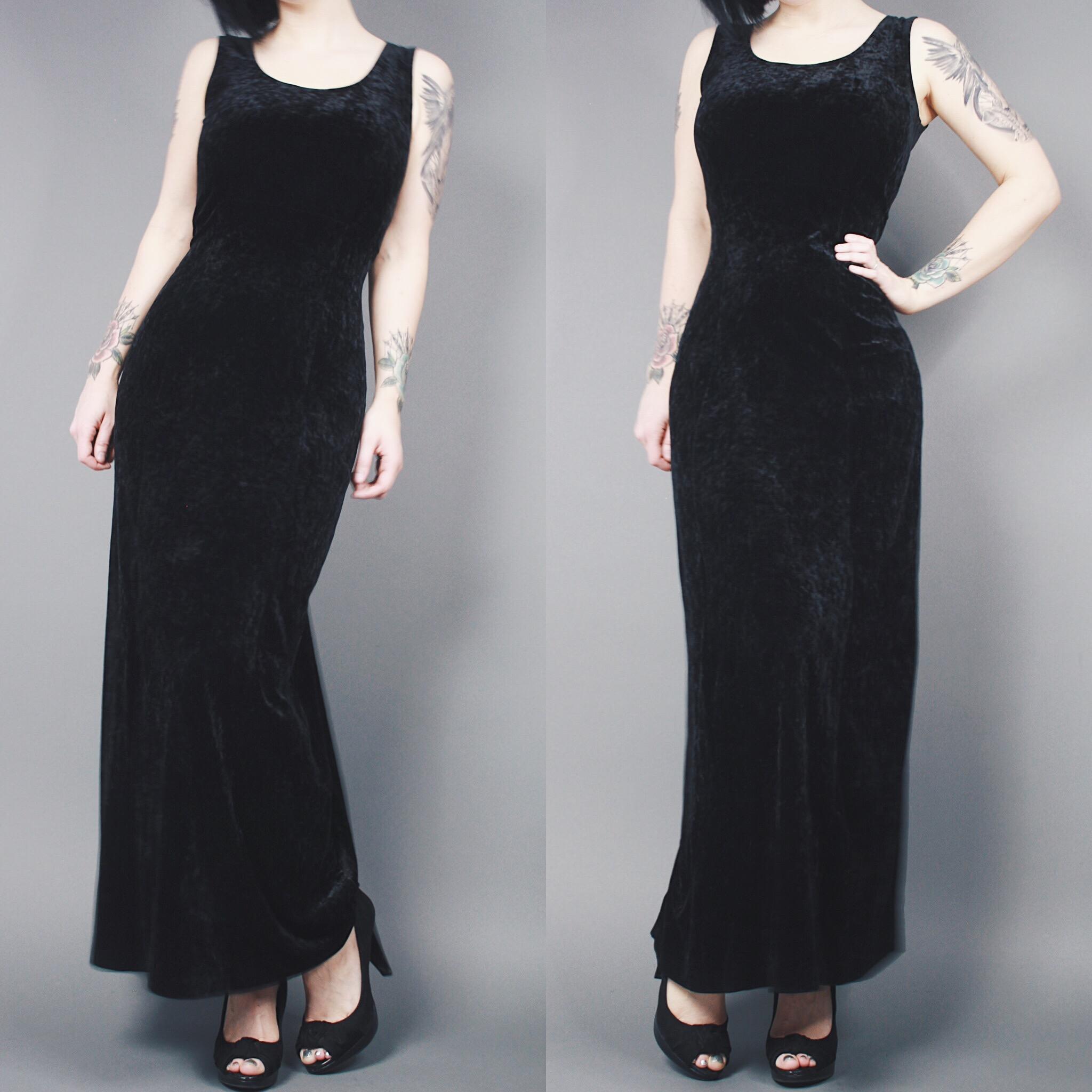 0fd7297e26700 CLAIMED  thelittleasian - Vintage 90s Reversible Black Crushed Velvet Button  Down Sleeveless Maxi Dress