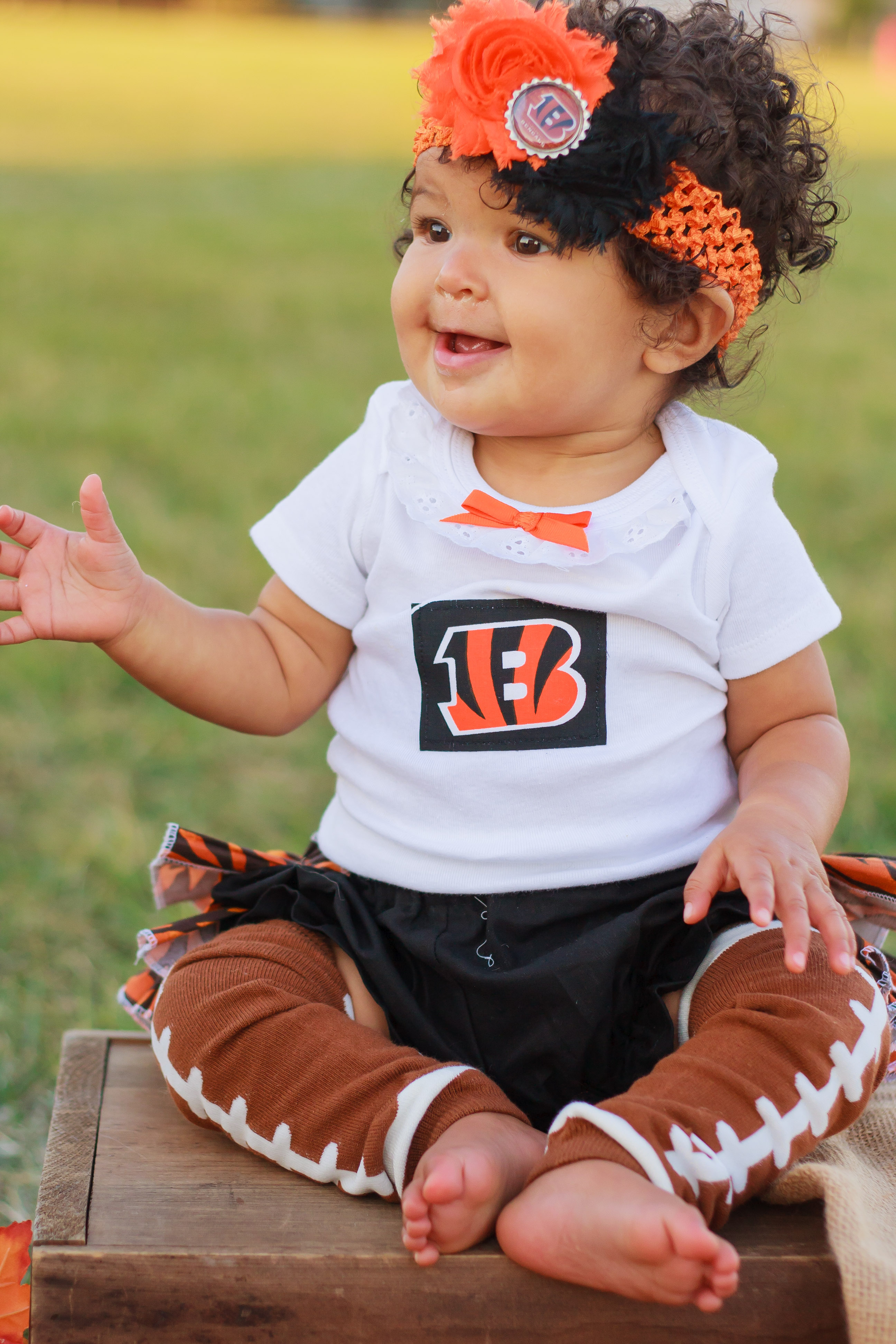 Football baby costume agree, excellent