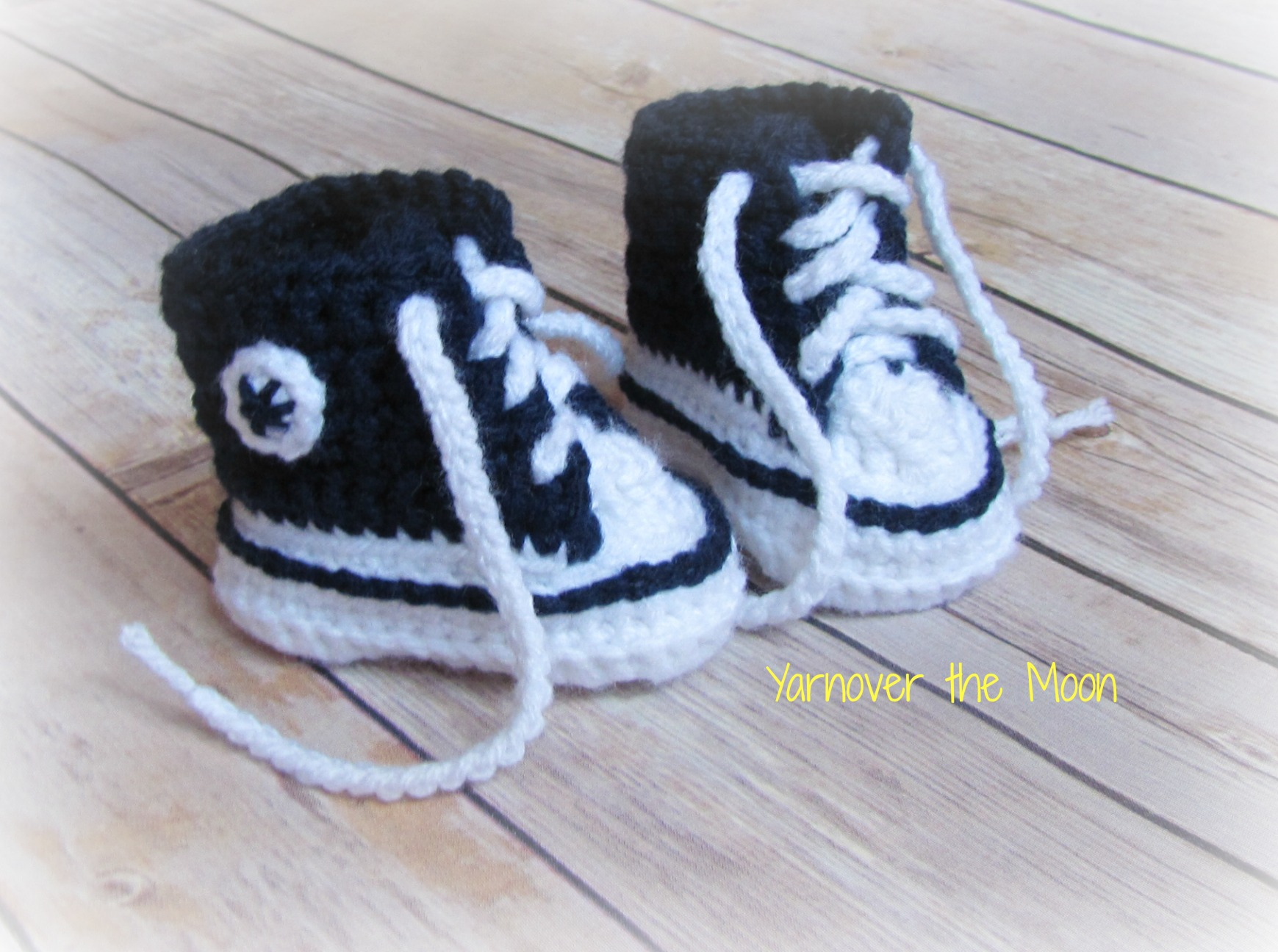 441b0d62e6d Crochet Baby Converse Sneakers · Yarnover the Moon · Online Store ...