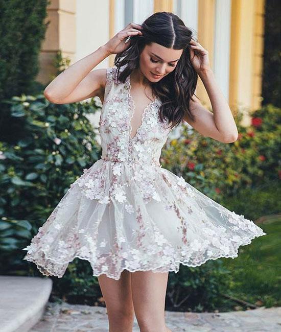 bdd4c5a39b3 Cute v neck applique short prom dress