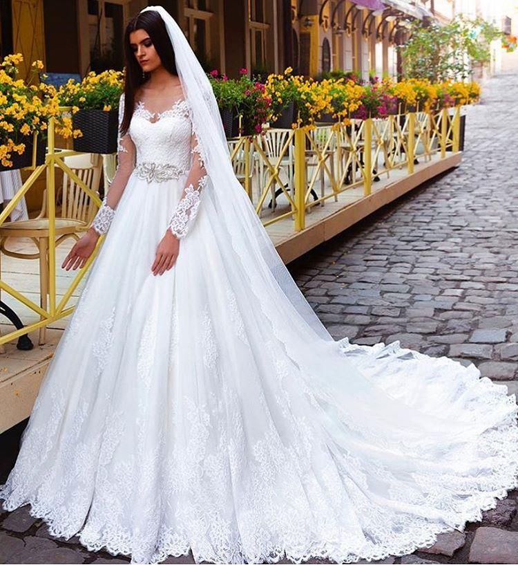 Crystal_Elegant_Lace_bridal_gowns_bridal_dresses_Princess_Long-Sleeve_Wedding_Dresses