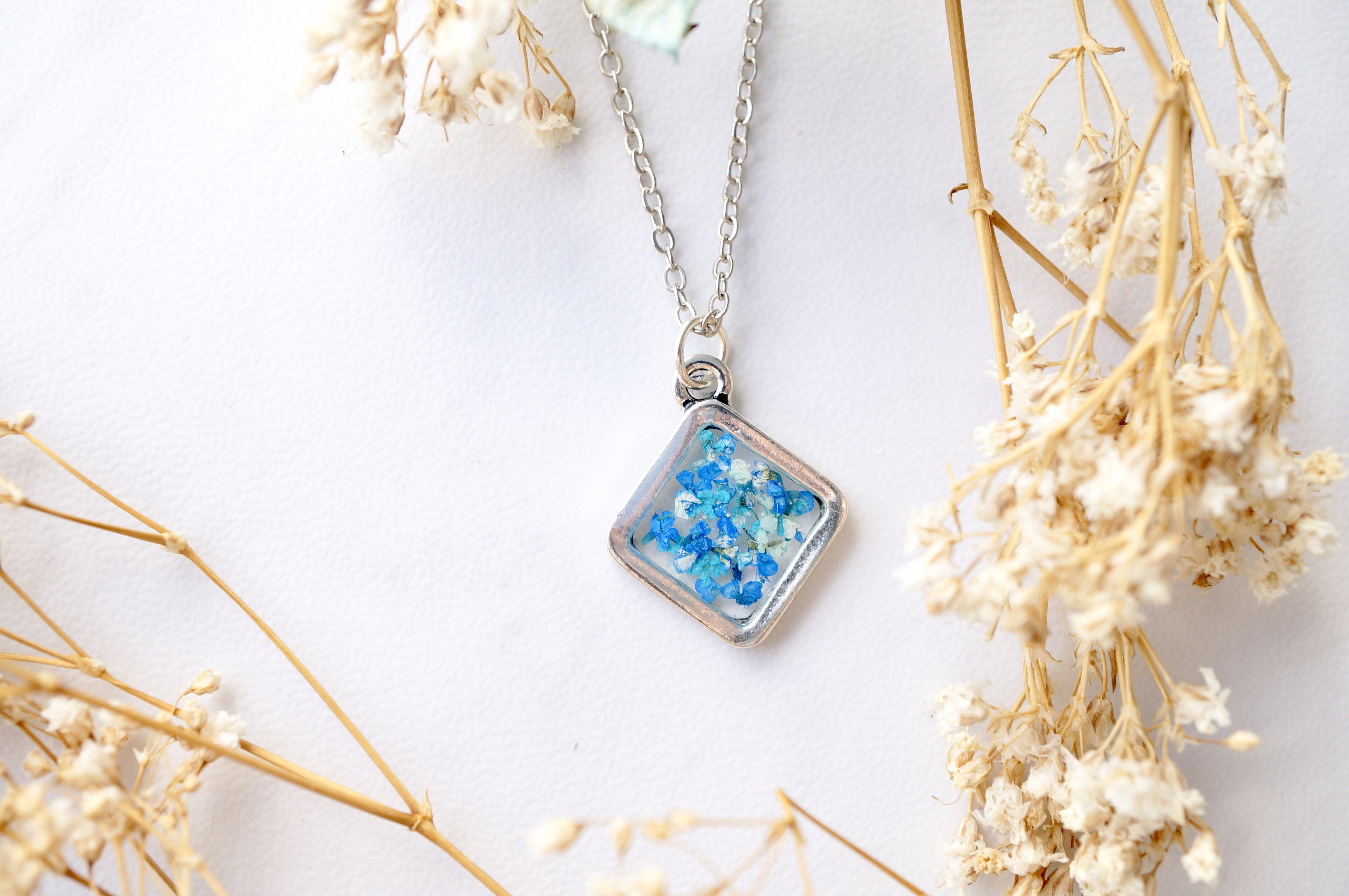 Real Dried Flowers And Resin NecklaceSilver Diamond In Blue Teal Mint