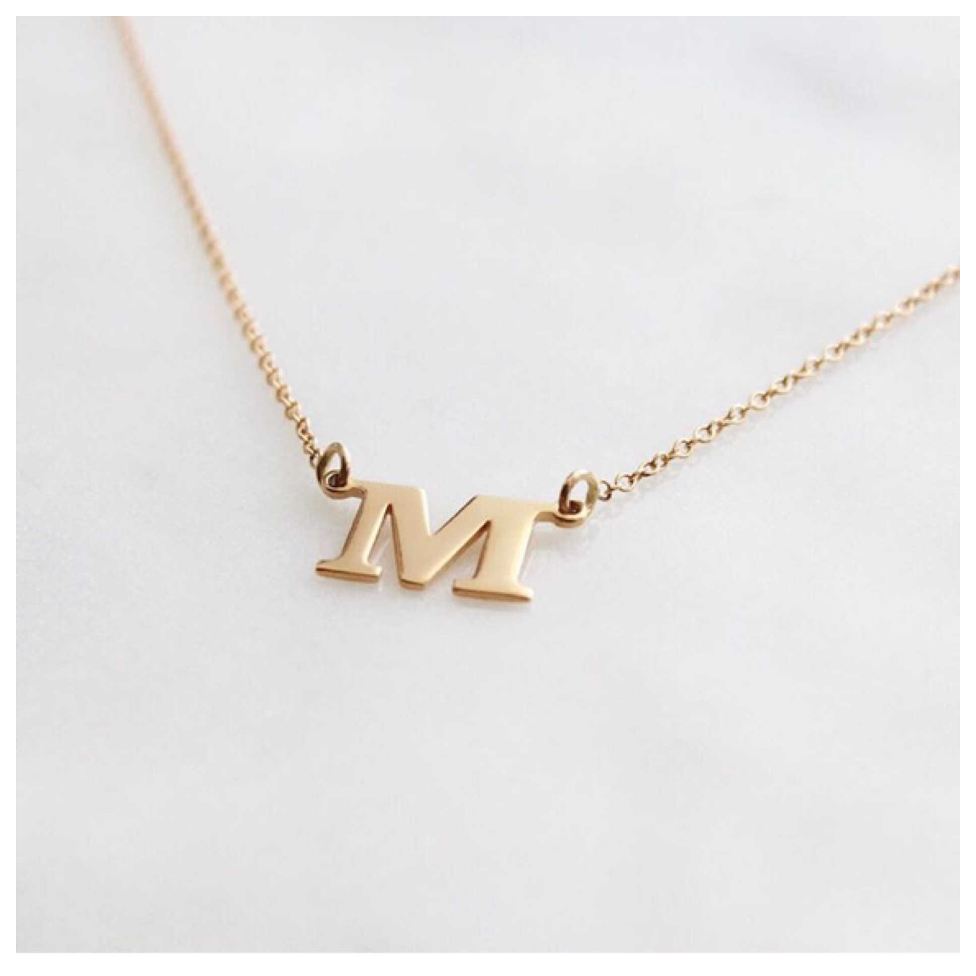 Initial_Necklace_(single_letter)
