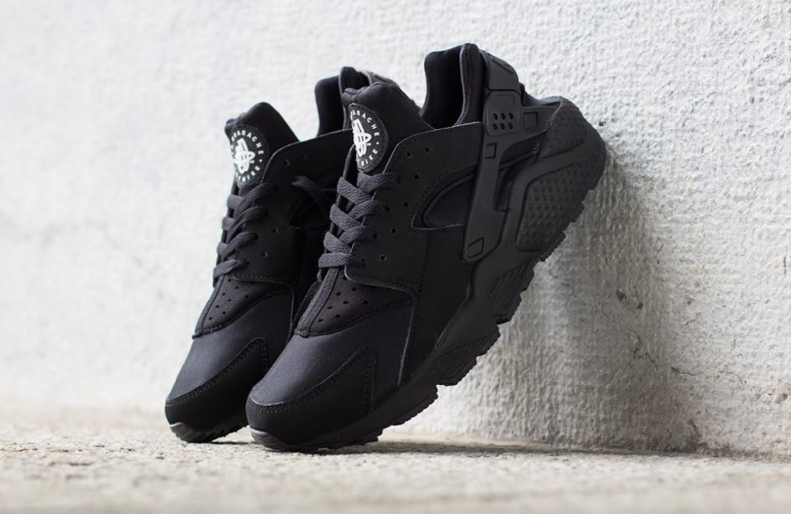 competitive price e6cf7 0c980 NEW NIKE AIR HUARACHE TRIPLE BLACK BLACKOUT ALL BLACK sold by cleatssale4A