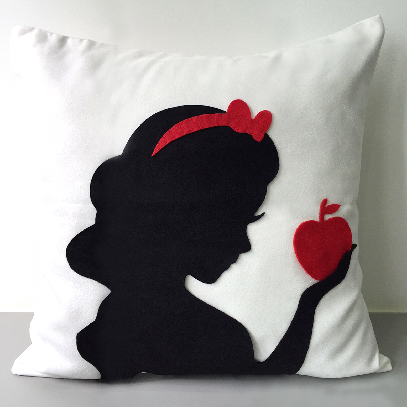 Snow White Decorative White And Black Pillow Cover.disney Princess 16inch Cushion Cover. Girls Room Decor
