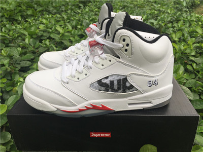 Supreme x Air Jordan 5 Retro Shoes Nike Air Jordan Retro 5 Shoes women  white Basketball 03451761d5f6