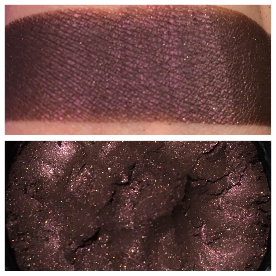 """usurper"" - Chocolate Plum Loose Powder Eye Shadow"