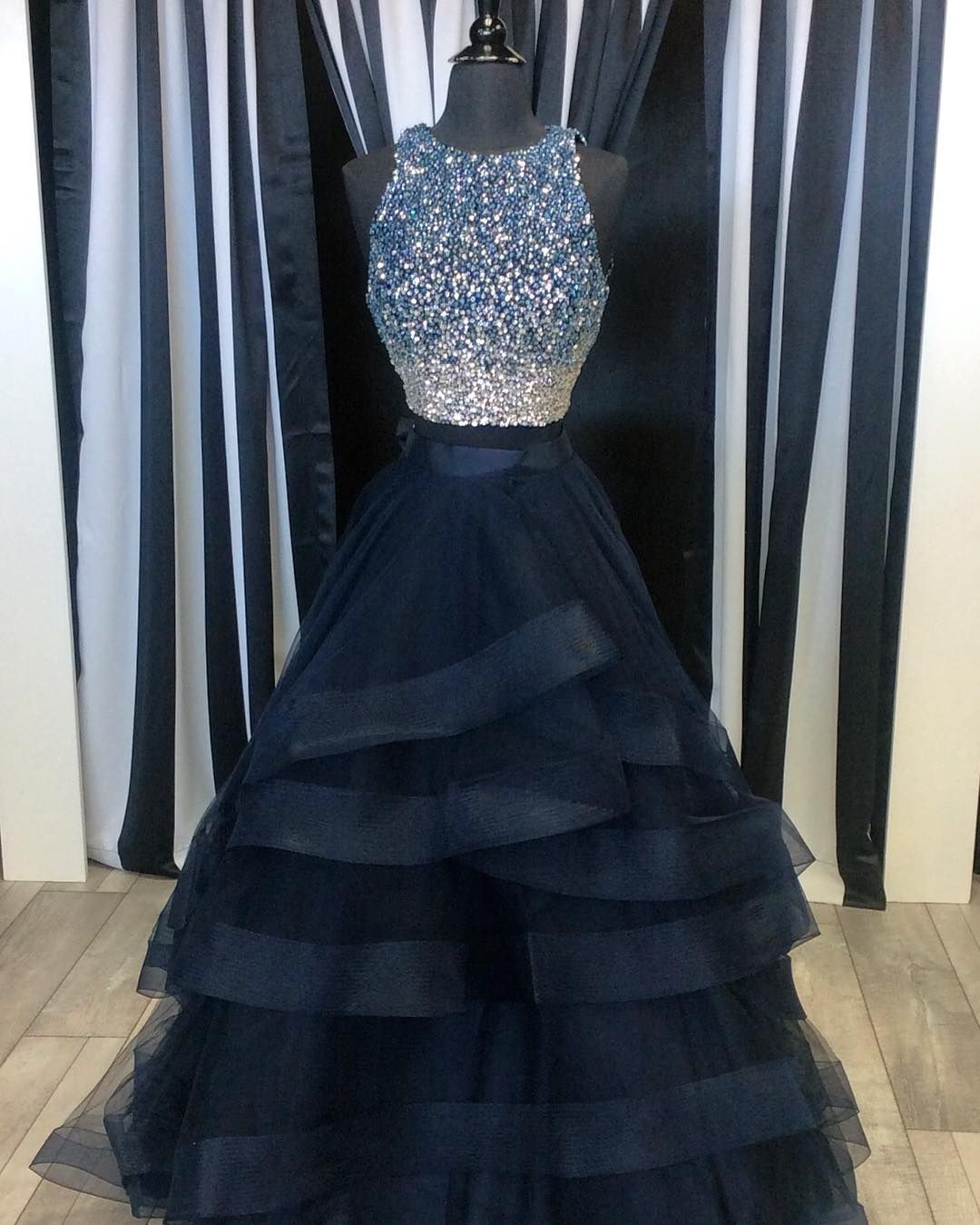 O-neck Party Dresses Ball-gown Evening Dresses Floor Length Prom Dresses Sleeveless Homecoming Dresses