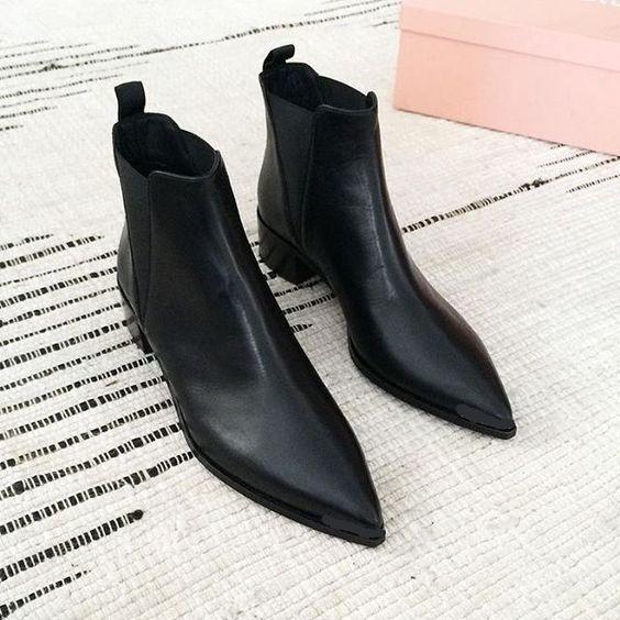 Handmade Men Black Pointed Toe Chelsea