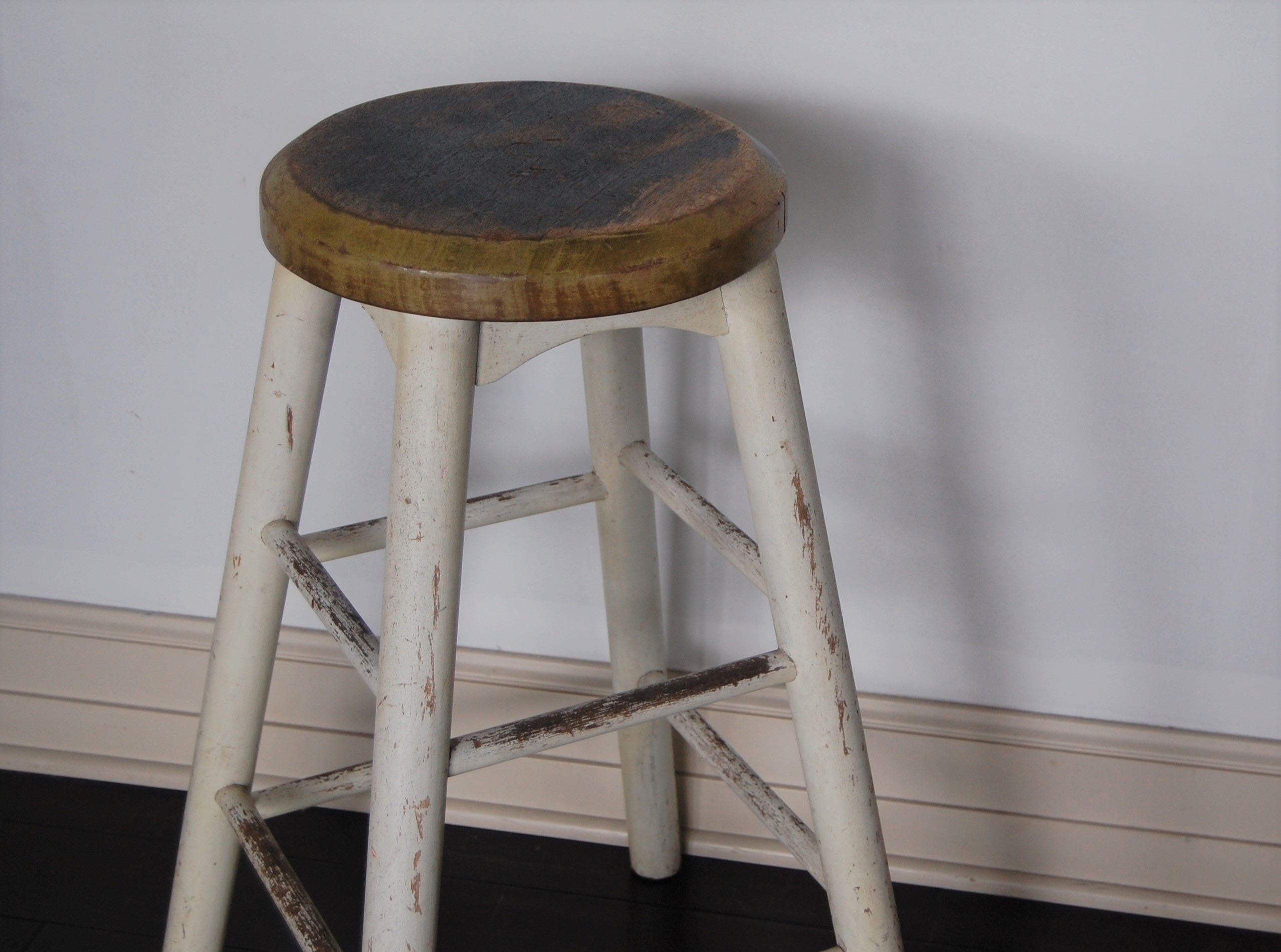 Phenomenal Rustic Wood Farm Stool Marinus Home Seattle Online Store Creativecarmelina Interior Chair Design Creativecarmelinacom