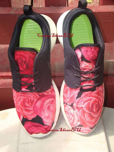newest 642a7 a1652 Red and Black Large Roses Printed Roshes from Eshays