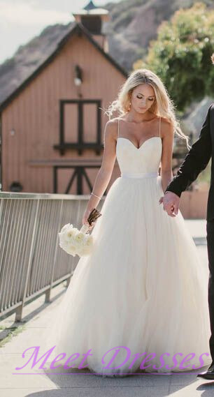Beautiful Wedding Dress Affordable A Line With Spaghetti Straps Flowy White Summer Beach Tulle Wedding Gown Angeldress