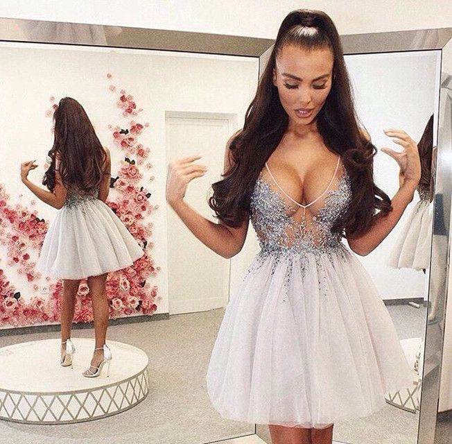 37b116f43442 Sexy A-Line V-Neck Short Ivory Tulle Homecoming Dress with Beading ...