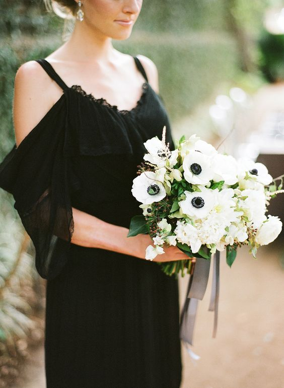 Simple_Black_Wedding_Dresses_Spaghetti_Straps_A_Line_Chiffon_Lace_Bridal_Gowns