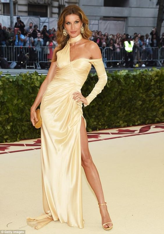Inspired_by_Gisele_Simple_Celebrity_Dresses_Light_Yellow_Mermaid_Satin_High_Neck_Prom_Dresses_Evening_Formal_Gowns
