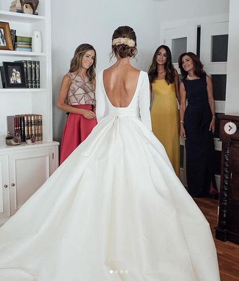 Simple_A_Line_Satin_Wedding_Dresses_Beautiful_Backless_Crew_Neck_Covered_Button_Bridal_Gowns