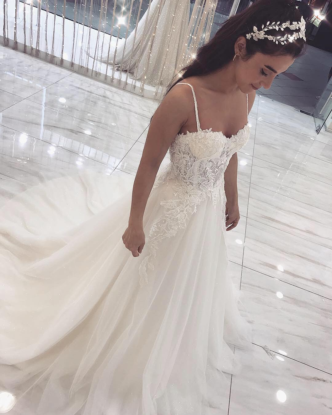 b9c56b75cd15c Sexy Ivory Tulle A Line Wedding Dress Lace Appliques Court Train Spaghetti  Straps Sweetheart Neck Bride