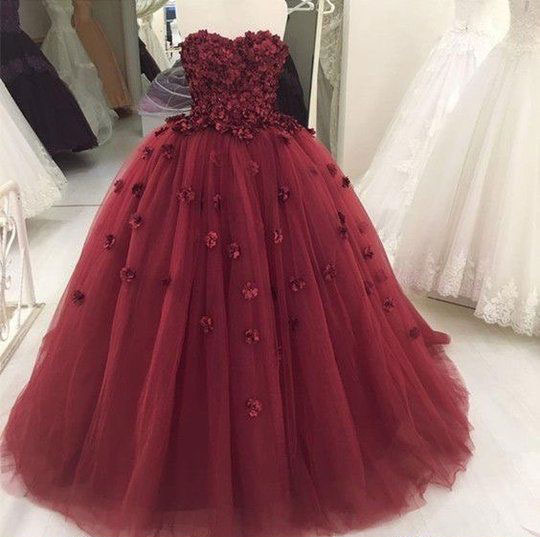 Sweetheart_Ball_Gown_Burgundy_Quinceanera_Dresses_Prom_Dresses_with_Appliques