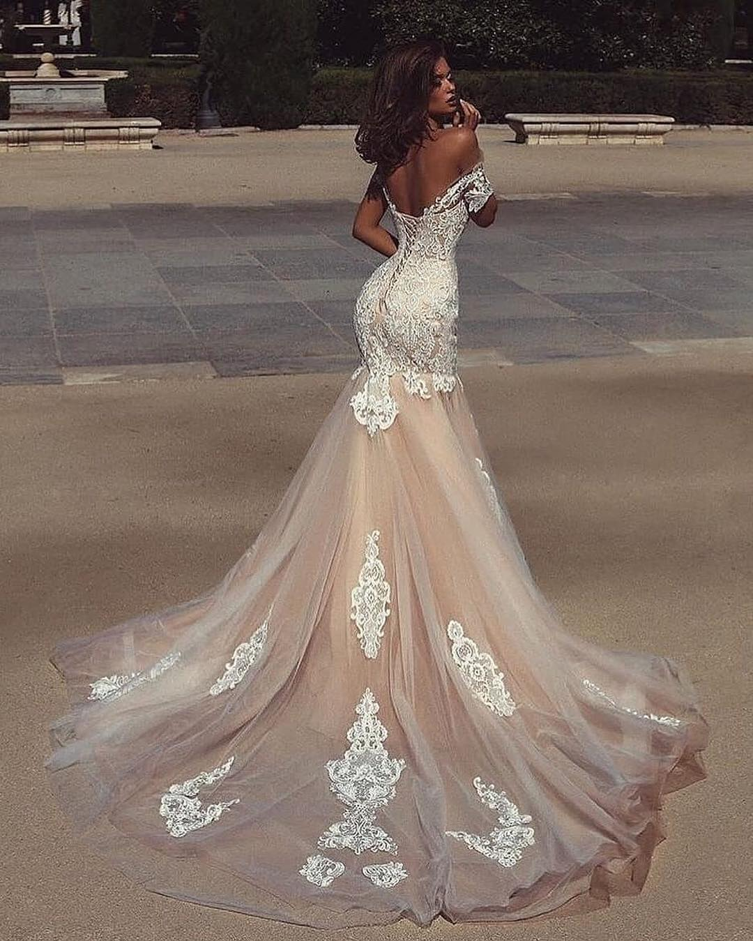 Mermaid Lace Wedding Gown: Stunning Dubai Champagne Mermaid Wedding Dress Off