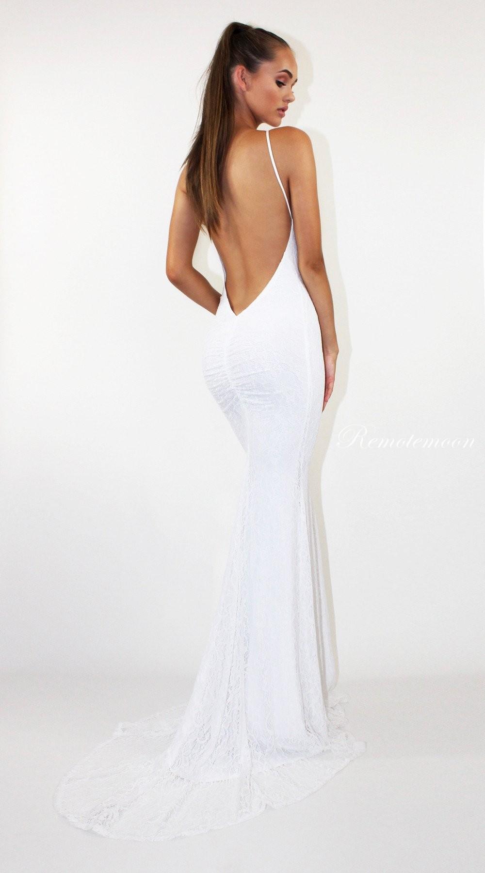 White Lace Backless Mermaid Wedding Dress Halter Neckline Low Cut Back Boho  Beach Wedding Dresses 2018 ... e5133800a
