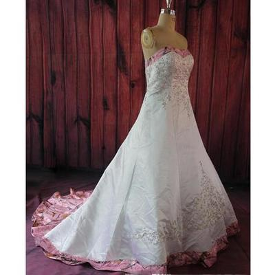 18777ee9f41 New fashion pink camo sweetheart embroidery beading wedding dress custom  lace up back 2019 formal bridal