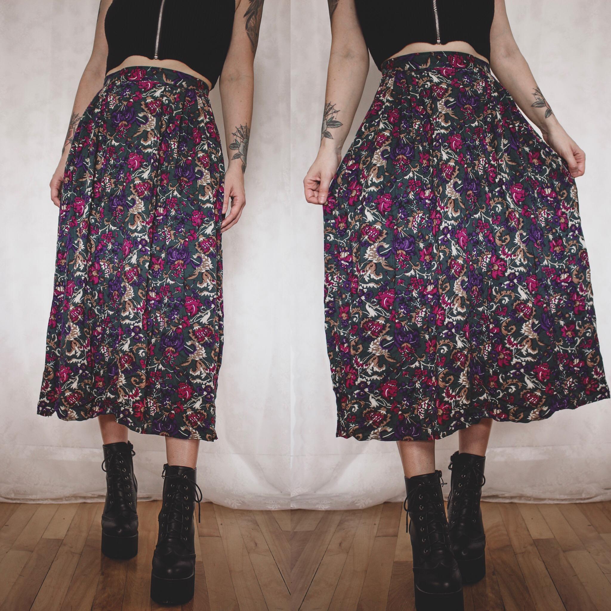 patterned Vintage Skirt 90s 90s fashion 90s clothing Skirt KK11141 Size M flower print