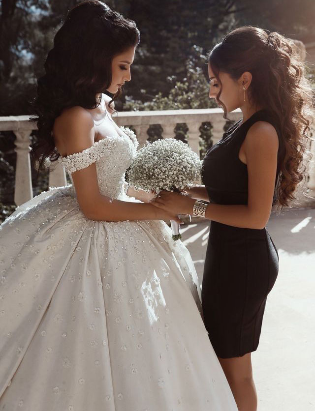 Off_the_Shoulder_Ball_Gowns_Wedding_Dresses_Bridal_Gowns_with_Appliques_Beaded